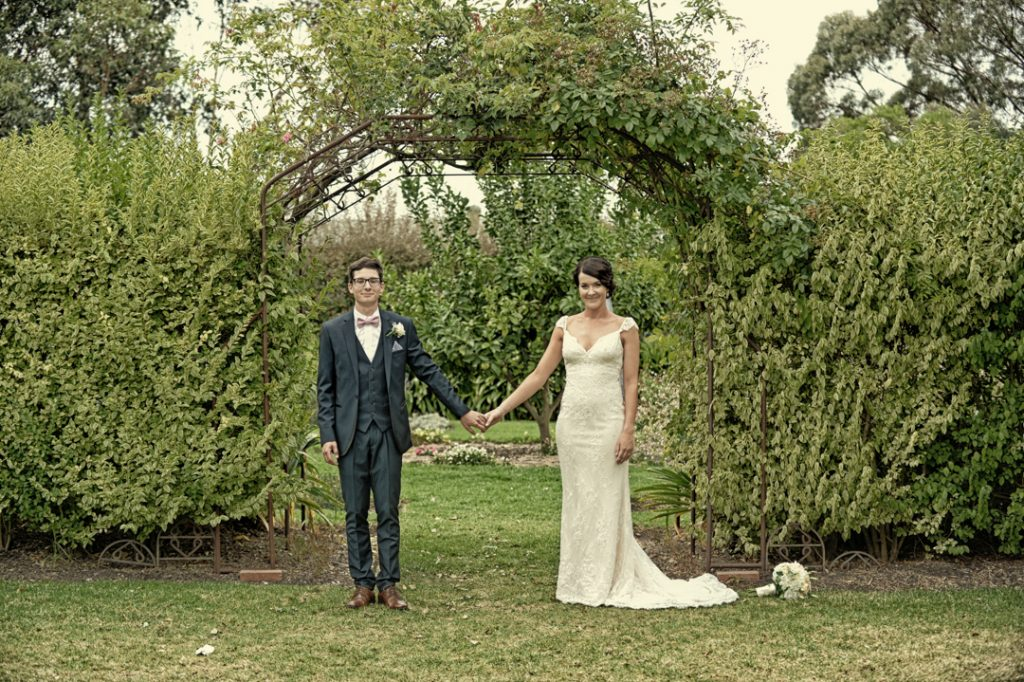 10 tips to finding the right Mornington Peninsula Wedding Photographer